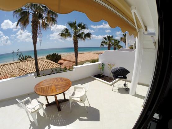 Sonnenterrasse mit Weber Grill Casa Calma Fuerte