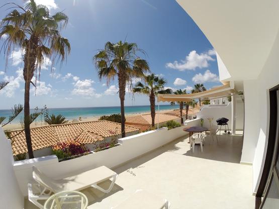 große Sonnenterrasse Ferienappartement Fuerte